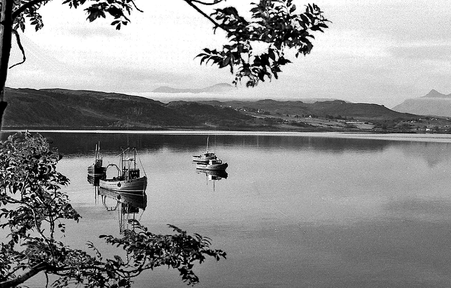 Loch in Scotland1_76